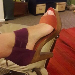 Suede purple/burnt orange clog sandals.